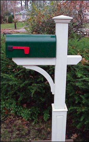 new-england-woodworks-wooden-cedar-new-englander-mailbox-post