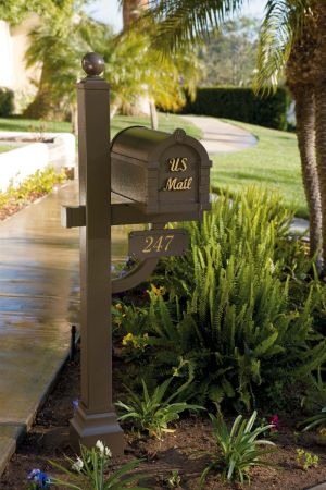Signature Keystone Residential Mailbox and Deluxe Post by Gaines